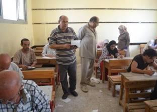بالصور| رئيس مدينة بلطيم يتابع امتحانات المرحلة الثانية من محو الأمية