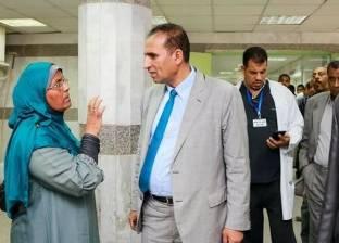 رئيس جامعة أسوان يتفقد المستشفى الجامعي