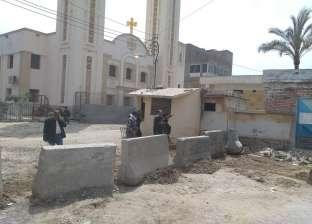 القيادات الأمنية تشرف على وضع صدادات أمام كنائس جمصة