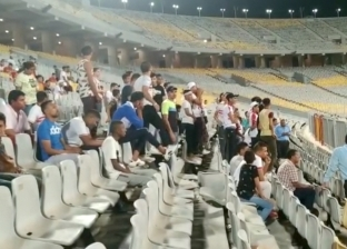 """جماهير الزمالك تهاجم """"شوبير"""" في مباراة ديكاداها الصومالي"""