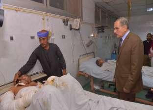 محافظ أسيوط يزور طفلين بالمستشفى الجامعي أصيبا بصعق كهربائي