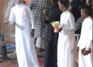 بالفيديو| الشرطة السعودية تعتقل شبابا شاركوا في تمثيل حفل زواج مثليين