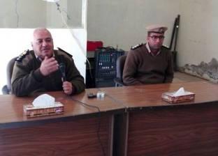 مأمور دير مواس يناقش مع العمد والمشايخ خطة تأمين الكنائس