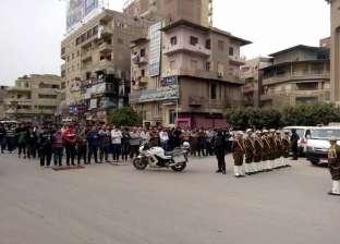 بالصور| تشييع جثمان ضابط شرطة وخطيبته ومصور في جنازة مهيبة بشوارع المحلة الكبري