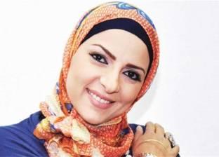 دعاء فاروق تطالب الملك سلمان بإلغاء شرط وجود محرم مع المرأة لأداء الحج