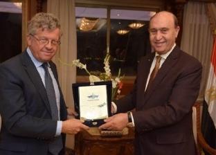 مميش: الاتفاق على تنفيذ محطة لتداول السيارات في ميناء شرق بورسعيد