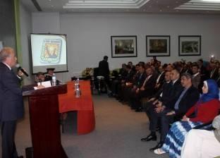 محافظ جنوب سيناء يناقش الخطط الاستثمارية للمدن