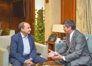 وزير التجارة لسفير أوزبكستان: مستعدون لتلبية احتياجات أسواقكم