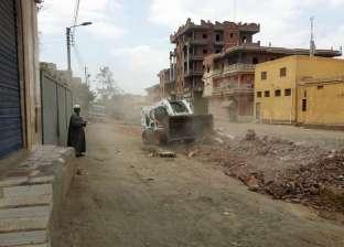 بالصور| حملة لرفع القمامة وتمهيد الشوارع وتركيب أعمدة إنارة في الحامول