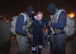 بالفيديو| اللقطات الأولى لترحيل هشام عشماوي من ليبيا وتسليمه لمصر