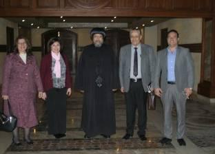 """وفد من نقابة الصيادلة يزور الكاتدرائية ويلتقي مع """"إرميا"""""""