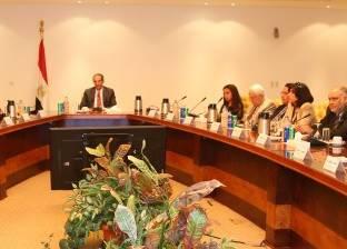"""وزير الاتصالات يبحث مع أعضاء """"شعبة الاقتصاد الرقمي"""" تنمية الطلب المحلي"""