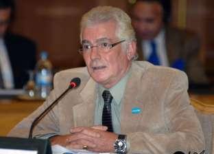 محمود قابيل ومنير مكرم أول الحضور في عزاء سعيد عبد الغني