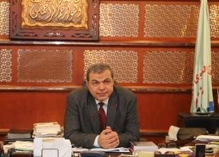 بالصور| وزير القوى العاملة يتابع حالة مصري طعنه أردني بسكين في الرأس