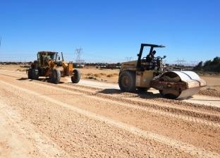 محافظ السويس يشدد علي الانتهاء من رصف الطريق الدائري
