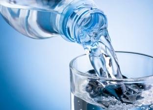 """""""قبل الاستحمام"""".. أفضل الأوقات لشرب المياه والكميات الصحيحة حسب الوزن"""