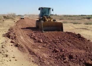 """افتتاح طريق """"25 يناير – مجمع التمور"""" بمدينة الخارجة في الوادي الجديد"""