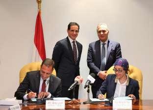 """نائب وزير الاتصالات يشهد توقيع اتفاقيتين بين """"إيتيدا""""و """"ITI""""و""""IBM"""""""