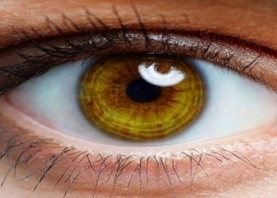 """""""كيف تستخدم هاتفك؟"""".. طبيب عيون يقدم 5 نصائح للتعامل مع الأجهزة الذكية"""