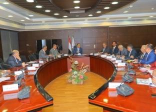 عرفات: ننفذ 6 محاور كبرى على النيل في الصعيد لربط الطرق الرئيسية