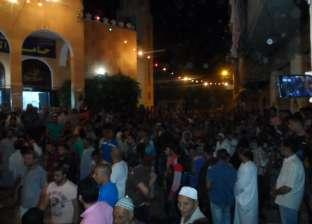 """الآلاف بكفر الشيخ يشيعون جثمان """"تامر عماد"""" ضحية التعذيب في ليبيا"""