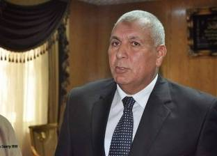 محافظ الوادي الجديد يوجه بتوفير أتوبيسات لنقل الحجاج من القاهرة غدا