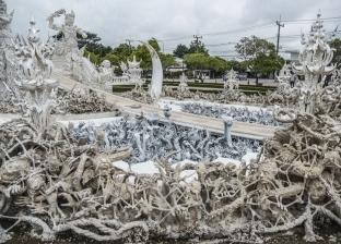 بالصور| معبد تايلاند الأبيض.. كيف تعبر من الجحيم إلى الجنة؟
