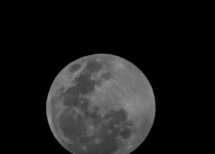 كوكب الأرض على موعد مع ظاهرة فلكية اليوم.. «القمر في منزلة الاقتران»