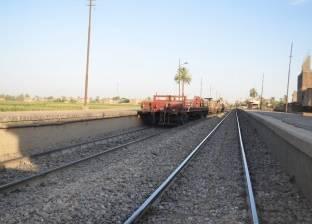 """هشام عرفات: تغيير منظومة النقل وإشراك """"النهري"""" والسكة الحديد"""