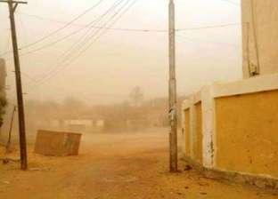 """""""مرور أسوان"""" تعيد فتح طريق أبو سمبل بعد العاصفة الترابية"""