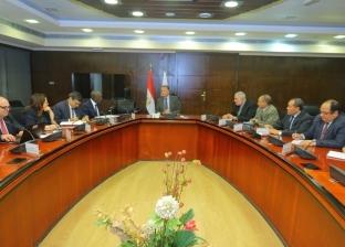 عرفات يبحث  مع نائب رئيس البنك الدولي التعاون في مجال السكك الحديدية