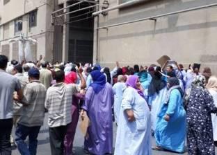 غضب عمال شركة غزل المحلة بسبب تأخر صرف رواتبهم..ومسؤول: احتوينا الأزمة