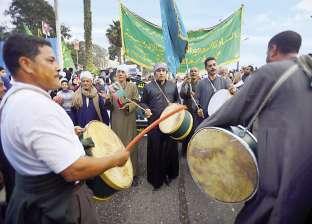وصول موكب الطرق الصوفية المحتفل بالعام الهجري إلى مسجد الحسين