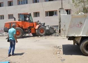 بالصور| رئيس المحلة يوجه بتدشين حملات نظافة ورفع أكوام القمامة
