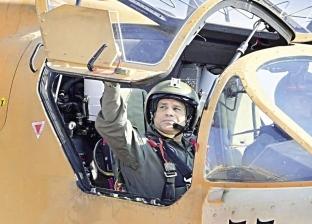 «السيسى» يظهر بالزى العسكرى فى قاعدة جوية.. ويتفقد مشروع «مستقبل مصر»
