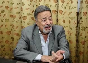 أشرف زكي ينفي وفاة يوسف شعبان: شائعة