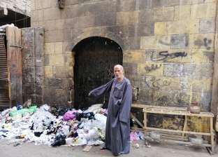 """بيت """"الدردير"""" يتحول إلى مقلب قمامة: """"السياح بيتصدموا"""""""