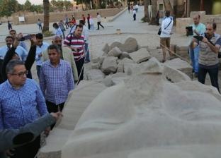بدء أعمال ترميم وتجميع آخر تمثال للملك رمسيس الثاني بمعبد الأقصر
