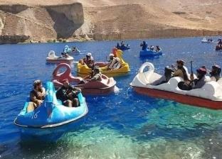بعد الجيم والآيس كريم.. عناصر «طالبان» يلهون ببدالات مياه ملونة