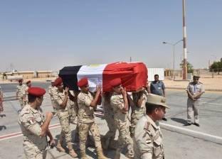 محافظ سوهاج ينيب السكرتير العام لاستقبال جثمان شهيد العريش