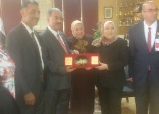 بالصور  رئيسة الإذاعة المصرية تستقبل وفد من الجامعة الأهلية بالبحرين