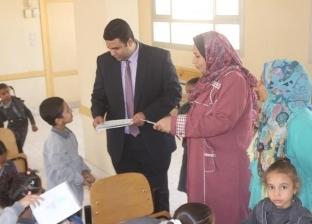 بالصور| نائب محافظ السويس يتفقد عددا من المدارس