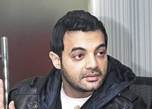 """عمرو محمود ياسين عن أزمة """"بوستر"""" والده: """"كان عتاب بسيط"""""""