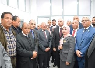 محافظ بورسعيد ورئيس مصلحة الجمارك يفتتحان مجمع المنطقة الحرة
