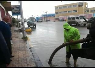 بالصور| سيول في الإسكندرية تغرق شوارعها.. والصرف الصحي يدفع بـ94 سيارة