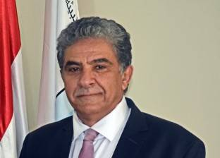 """وزير البيئة: نؤجر معدات التعامل مع """"القش"""" أرخص 30% من القطاع الخاص"""