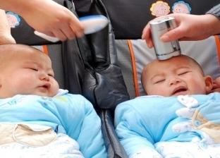 لشراء هاتف جديد.. أم تبيع طفليها حديثي الولادة بـ150 ألف جنيه