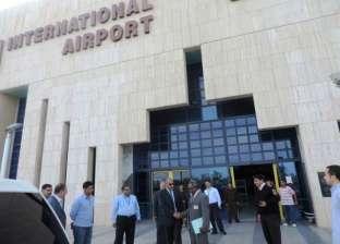 """مطار أسوان الدولي يجري """"تجربة طوارئ"""" وجود قنبلة على متن طائرة"""
