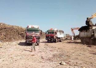حملات لرفع القمامة والمخلفات الصلبة بأحياء وقرى مركز المنيا
