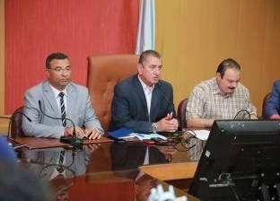 بالصور| محافظ كفرالشيخ يبحث موقف المشروعات مع التنفيذيين